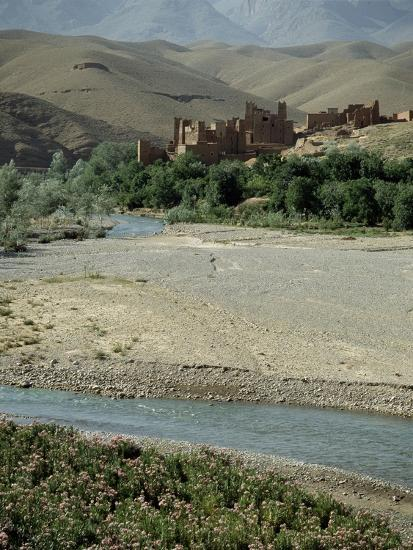 Ait Arbi kasbah, fortified manor house or village-Werner Forman-Giclee Print