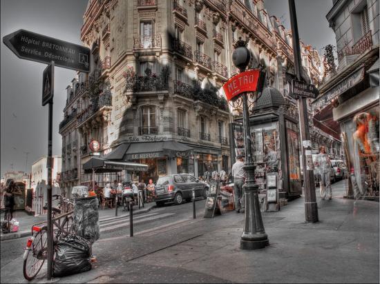 aj-messier-metro-red-paris
