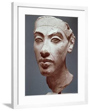 Akhenaton, c.1350 B.C.--Framed Photographic Print