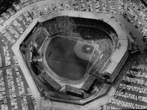 Milwaukee Braves Playing the New York Yankees in Baseball at the World Series by Al Fenn