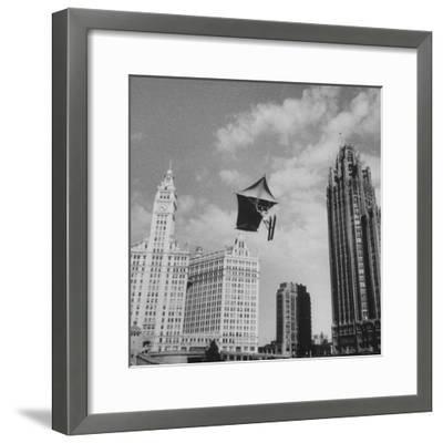 Stunt Man Jack Wylie Kite-Flighting over the Chicago River