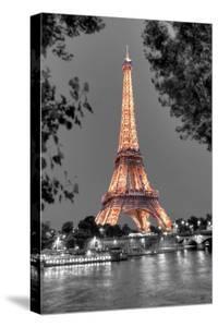 Nuit sur la Seine by Alan Blaustein