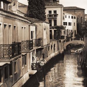 Ponti di Venezia No. 4 by Alan Blaustein