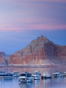 Arizona, Nr Page, Wahweap, Lake Powell, USA by Alan Copson