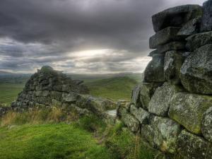 Hadrians Wall, Northumberland, UK by Alan Copson