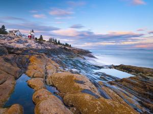 Pemaquid Point Lighthouse, Pemaquid Peninsula, Maine, New England, USA, North America by Alan Copson