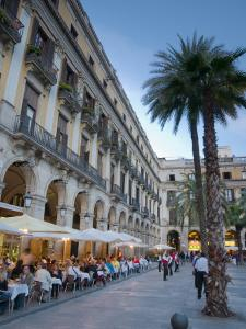 Placa Reial, Barcelona, Spain by Alan Copson