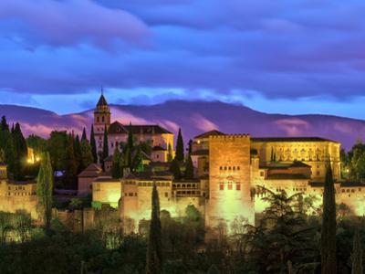 Spain, Andalucia, Granada Province, Granada, Alhambra from Sacromonte Hill