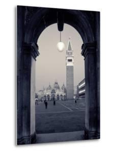 St. Mark's Basilica, St. Mark's Square, Venice, Italy by Alan Copson