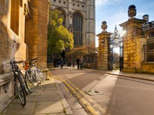 UK, England, Cambridgeshire, Cambridge, Trinity Lane, King's College Chapel by Alan Copson