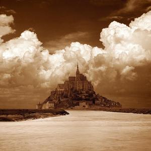 Mont San Michel by Alan Klug
