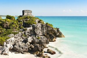 Ruins of Tulum by Alan Smithers