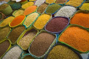 Saudi Arabia, Jeddah, Traditional market in the old part of the town, cereals by Aldo Pavan