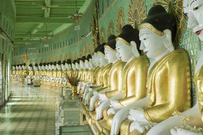 Buddhas in the U Min Thonze Cave Temple, Sagaing Hill, Sagaing, Myanmar (Burma), Southeast Asia