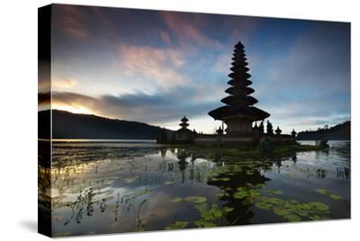 The Pura Ulun Danu Bratan Temple at Sunrise