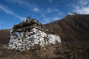 An ancient chorten along the Laya-Gasa trekking route near Jangothang, Bhutan, Himalayas, Asia by Alex Treadway
