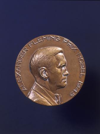 https://imgc.artprintimages.com/img/print/alexander-fleming-prix-nobel-1945_u-l-q10lk1a0.jpg?p=0