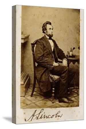 A Signed Carte-De-Visite Photograph of Abraham Lincoln, 1861