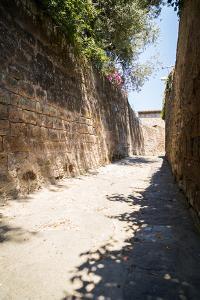 Mediterranean Streets of the Italian City by Alexandr L