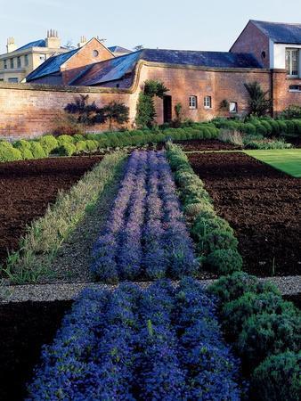 House & Garden - April 2004
