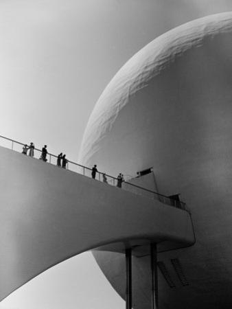1939 World's Fair Visitors Entering the Perisphere