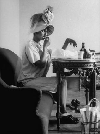 "Actress Sophia Loren Eating on a Break During Filming of ""Madame Sans Gene"" by Alfred Eisenstaedt"