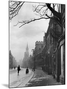 Oxford Street Scene, England by Alfred Eisenstaedt