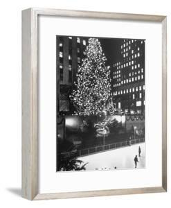 Rockefeller Center Christmas Tree at Night by Alfred Eisenstaedt