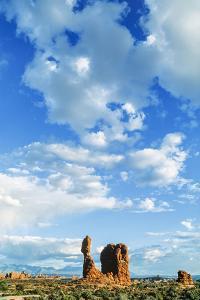Balanced Rock, Arches National Park, Utah, USA by Ali Kabas