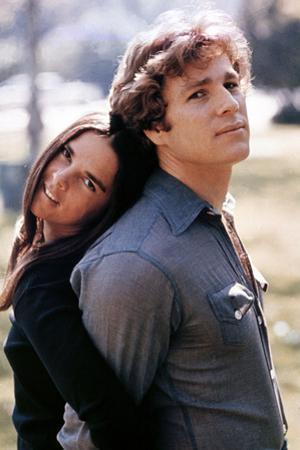 """Ali Macgraw; Ryan O'Neal. """"Love Story"""" [1970], Directed by Arthur Hiller."""