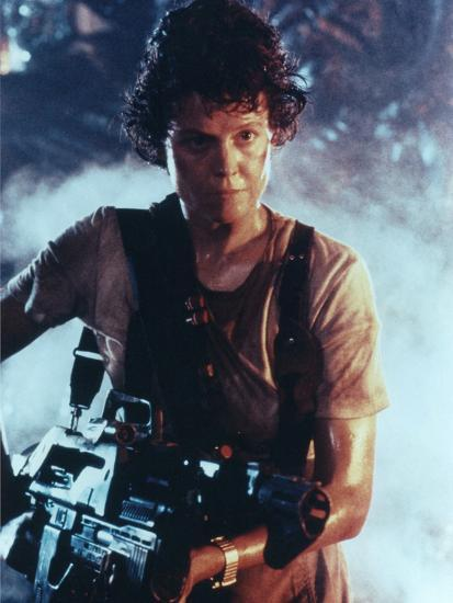 ALIENS, 1986 directed by JAMES CAMERON with Sigourney Weaver (photo) Photo  by   Art com