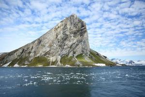 Arctic, Svalbard, Hornsund, Sor-Spitsbergen National Park by Aliscia Young