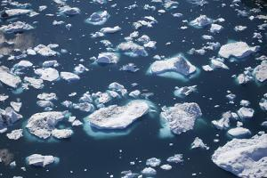 Greenland, Ilulissat, Sermeq Kujalleq, Close-Up of Drifting Icebergs and a Body of Water by Aliscia Young