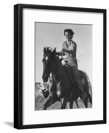 Model Riding a Horse