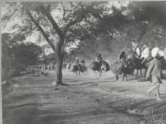 Along the Grand Trunk Road into Delhi, December 1912-English Photographer-Photographic Print