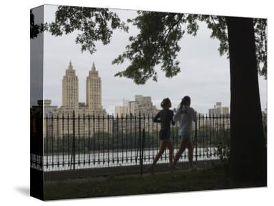 Joggers, Central Park, Manhattan, New York City, New York, United States of America, North America