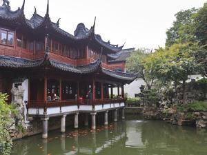 Yanshan Hall, Yu Yuan (Yuyuan) Gardens, Shanghai, China, Asia by Amanda Hall