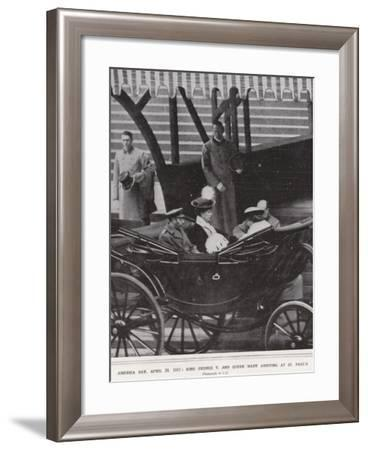 America Day, 20 April 1917, King George V and Queen Mary Arriving at St Paul'S--Framed Photographic Print