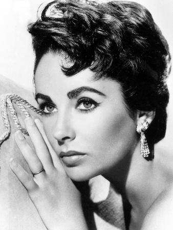 https://imgc.artprintimages.com/img/print/american-actress-liz-taylor-c-1954_u-l-pwghy80.jpg?p=0