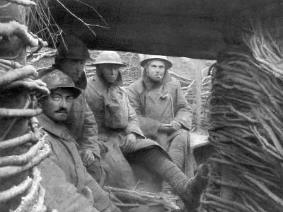 American and French Troops in a Trench at the Front, 1917-1918--Giclee Print