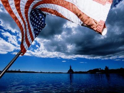 https://imgc.artprintimages.com/img/print/american-flag-and-uss-missouri-at-pearl-harbour-usa_u-l-p11e9h0.jpg?p=0