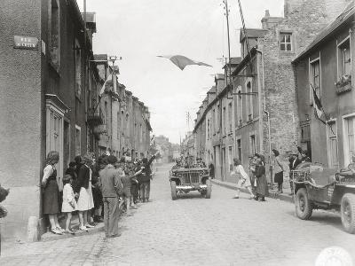 American Jeeps are Driving Through Carentan--Photographic Print