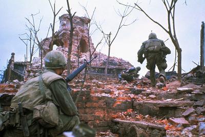 American Marines Advancing up Outer Wall of Citadel-Kyoichi Sawada-Photographic Print