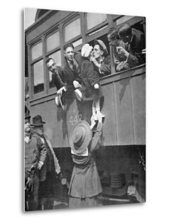 Us Army Recruits Bid Farewell to Family before the Train Journey to Training Camp, 1917