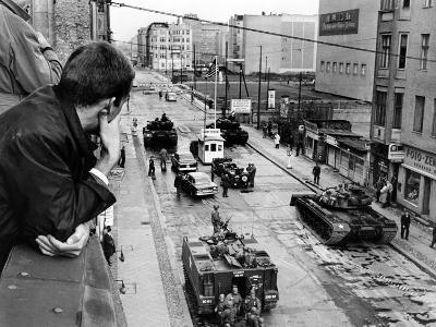 American Tanks at the Friedrichstrasse Checkpoint Crossing Through the Berlin Wall--Photo