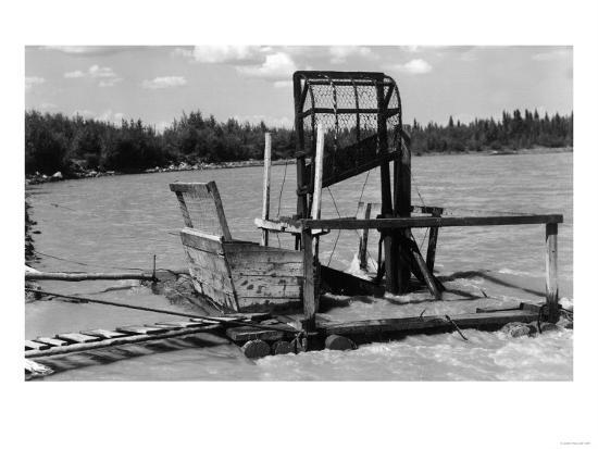 An Alaskan Fish Wheel View - Copper River, AK-Lantern Press-Art Print