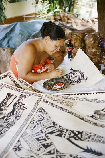 An Artist Works on Traditional Tapa Drawings-Dmitri Alexander-Photographic Print