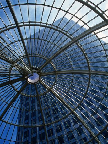 An Eye on the Sky, Canary Wharf - London, England-Doug McKinlay-Photographic Print