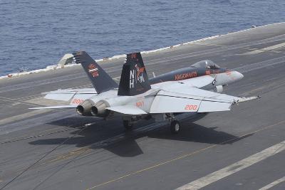 An F-A-18E Super Hornet Lands on the Flight Deck of USS Nimitz--Photographic Print