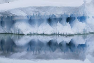An Iceberg Reflects in the Surface of the Ocean-Jim Richardson-Photographic Print